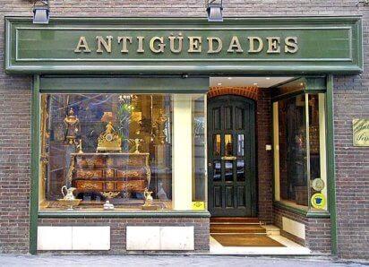 una tienda de antigüedades