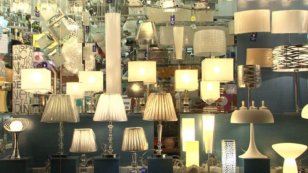 Cómo iniciar un comercio de lámparas - tienda de lámparas