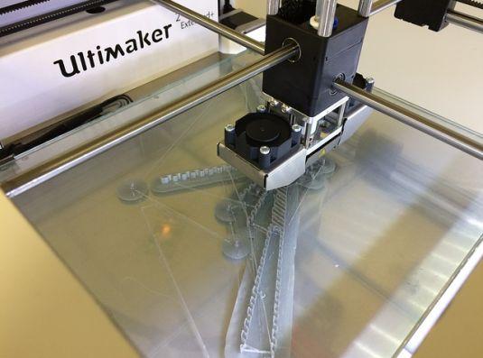 Negocio de alquiler de impresoras 3D