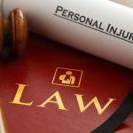 Cómo abrir tu propio despacho de abogados solo o con sociedad