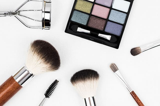 Servicio de maquillaje en casa o a domicilio