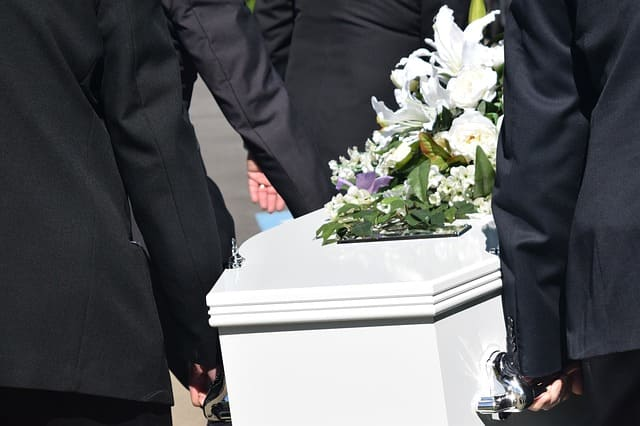 abrir una agencia funeraria