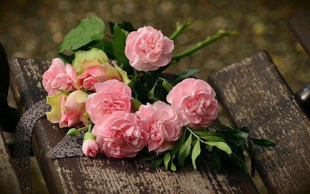 requisitos se necesitan para Speaking Roses