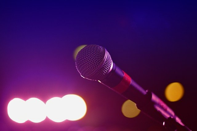 Consejos para iniciar unbar de karaoke