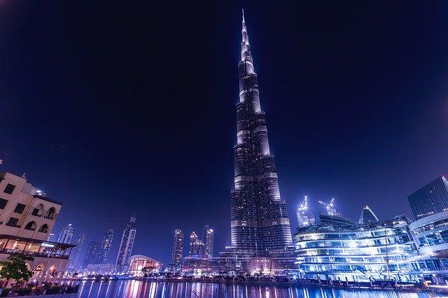 Cuáles son los productos que exporta los Emiratos Arabes Unidos